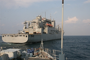 HMS Ramsey approaches USNS Lewis and Clark for RAS